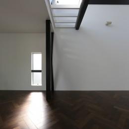 2階リビングの家 ハコノオウチ08 (ヘリンボーンの床)