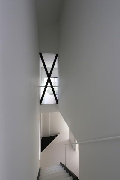 玄関を見下ろす (2階リビングの家 ハコノオウチ08)