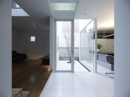 Roji-house (LDK)