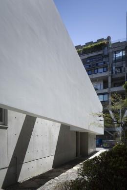 清水谷の家 (ダブルスキンの壁)