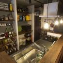 デコレーション・ハウスの写真 キッチンには壁面収納や黒板塗装も@デコレーション・ハウス
