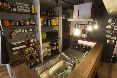 キッチンには壁面収納や黒板塗装も@デコレーション・ハウス (デコレーション・ハウス)