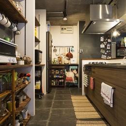 デコレーション・ハウス (造作棚を利用した収納上手なキッチン@デコレーション・ハウス)