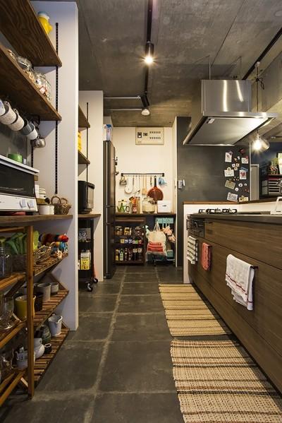 造作棚を利用した収納上手なキッチン@デコレーション・ハウス (デコレーション・ハウス)