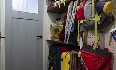 アウトドアグッズ収納は帰宅してからリビングまでの廊下に@デコレーション・ハウス|デコレーション・ハウス