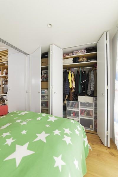 ベッドルーム (T邸-35平米、ミニマムを極めたら、リノベ魂に火がついた)