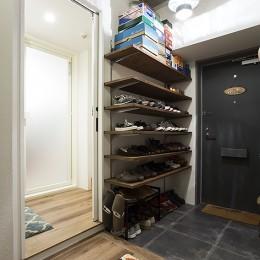 デコレーション・ハウス (造作棚で靴もディスプレイ@デコレーション・ハウス)