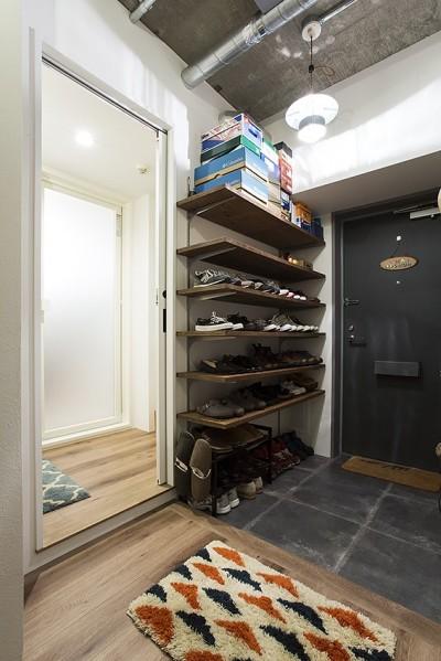 造作棚で靴もディスプレイ@デコレーション・ハウス (デコレーション・ハウス)
