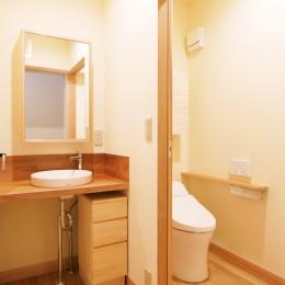 珪藻土の自然素材リフォーム (パウダールームも兼ねた洗面室とトイレ)