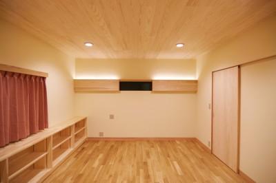 間接照明のベッドルーム (珪藻土の自然素材リフォーム)