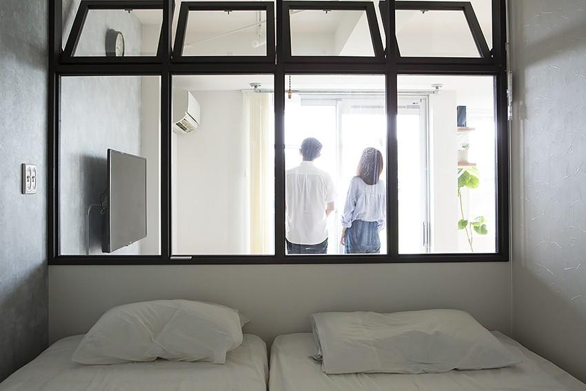 ふたりだけの景色 (ふたりだけの景色 寝室からリビングとバルコニーからの景色も見えます。)