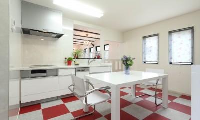 イギリスのビビットなキッチン|小さなイングリッシュコテージレストラン、まあさの家
