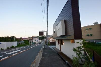 外観 (箕面の家:店舗付き住宅)