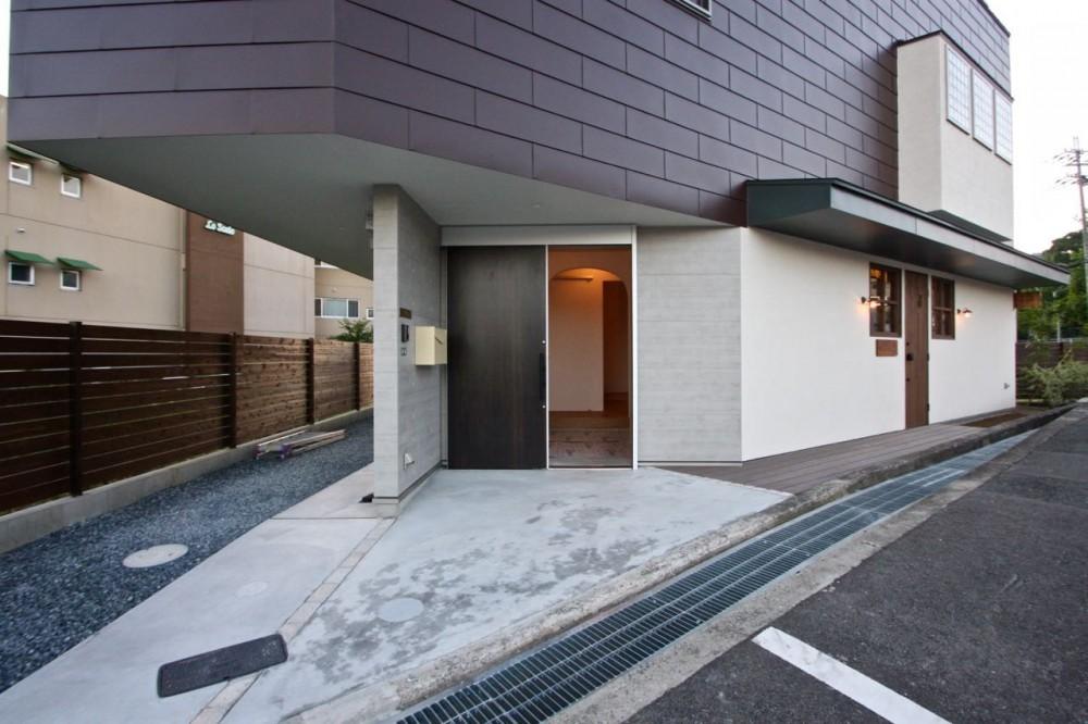 箕面の家:大阪.箕面の店舗付き住宅 (外観)
