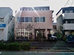 尼崎のデザイン事務所:事務所+テナント+トレーニングジム (外観)