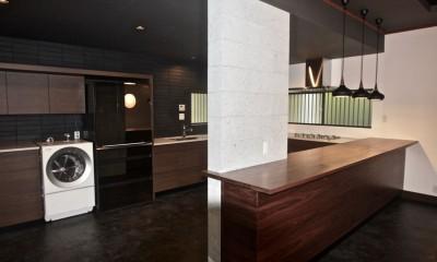 生駒山荘の別荘リノベーション(外国人家族):大阪 中古住宅のリノベーション (キッチン)