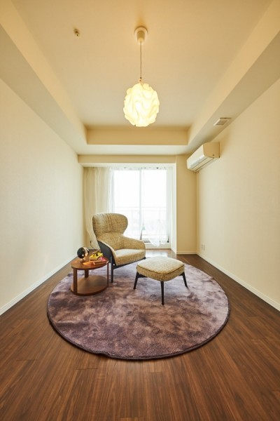 子ども部屋の実現はもちろん、新旧を巧みに調和させながら華やかさを演出した住まい (ベットルーム)