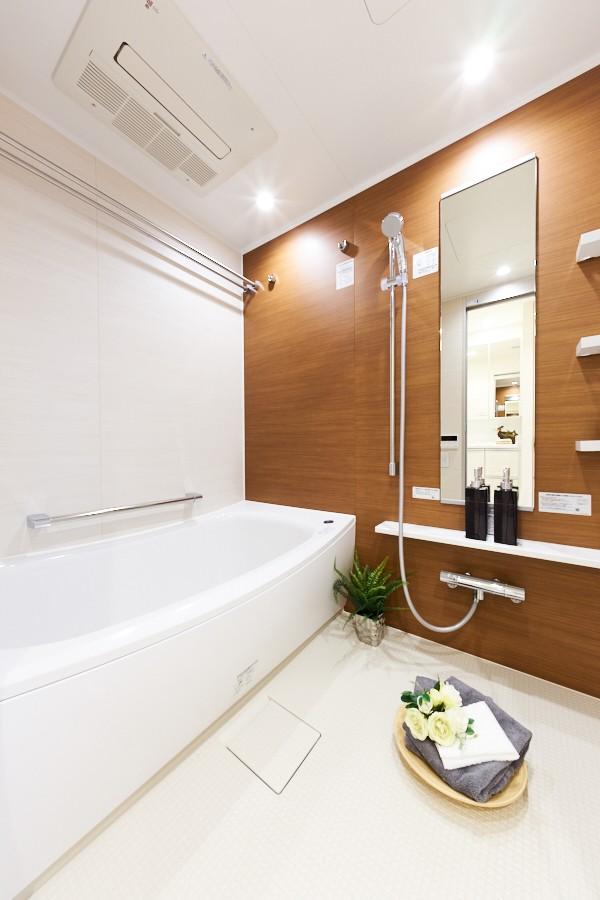 バス/トイレ事例:バスルーム(子ども部屋の実現はもちろん、新旧を巧みに調和させながら華やかさを演出した住まい)