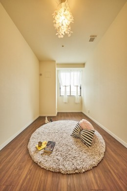 子ども部屋の実現はもちろん、新旧を巧みに調和させながら華やかさを演出した住まい (子ども部屋)