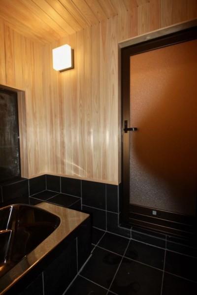 浴室 (生駒山荘の別荘リノベーション:中古物件のリノベーション)
