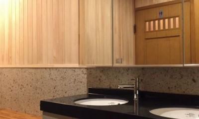 生駒山荘の別荘リノベーション(外国人家族):大阪 中古住宅のリノベーション (洗面.脱衣室)
