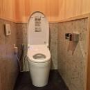 生駒山荘の別荘リノベーション(外国人家族):大阪 中古住宅のリノベーションの写真 トイレ