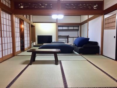 和室リビング (生駒山荘の別荘リノベーション(外国人家族):大阪 中古住宅のリノベーション)
