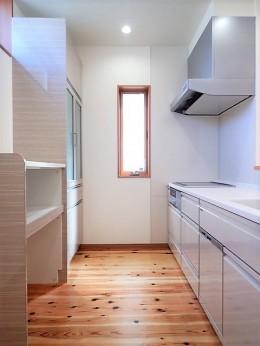 小上がり畳の寝室のあるお家 (キッチン)