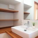 小上がり畳の寝室のあるお家の写真 洗面室
