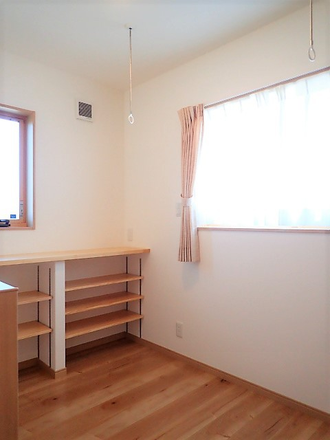 小上がり畳の寝室のあるお家 (2階ホール)