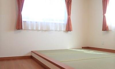 小上がり畳の寝室のあるお家 (小上がり和寝室)