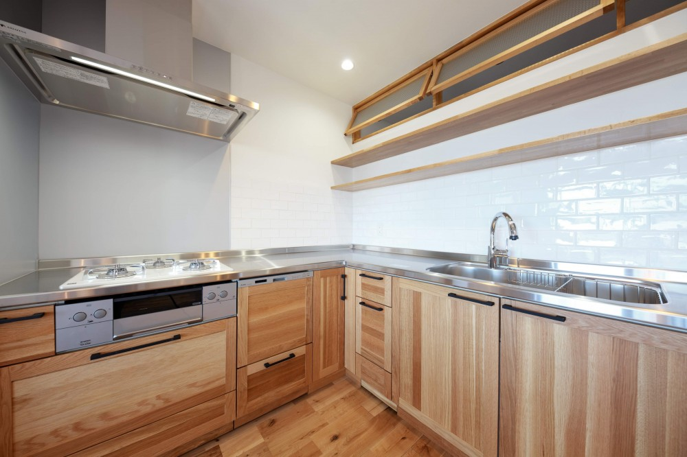 Natural Cute~無垢材×DIY塗装でオンリーワンな空間を~ (キッチン)