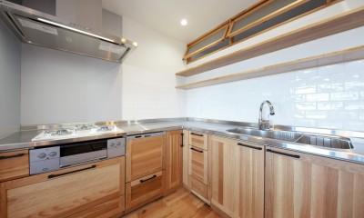 キッチン|Natural Cute~無垢材×DIY塗装でオンリーワンな空間を~
