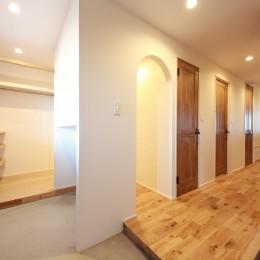 Natural Cute~無垢材×DIY塗装でオンリーワンな空間を~ (玄関)
