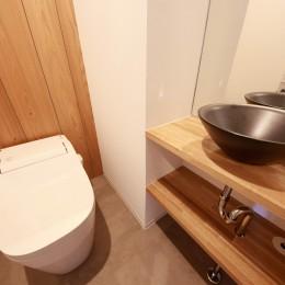 Natural Cute~無垢材×DIY塗装でオンリーワンな空間を~ (トイレ)