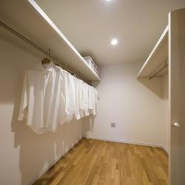 布団を仕舞う収納を確保する家 (ウォークインクローゼット:布団を仕舞う収納を確保する家)