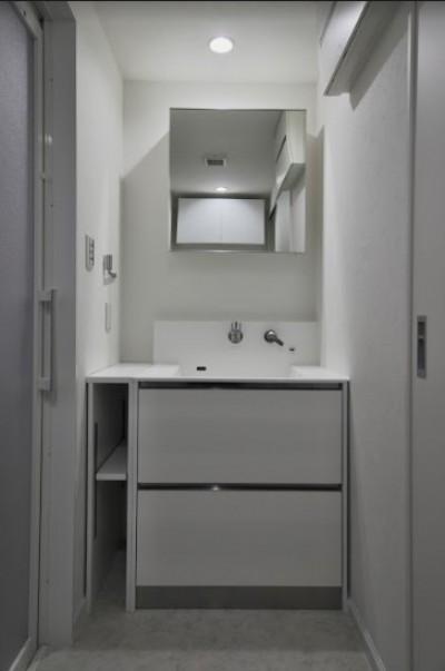 シンプルな洗面室 (北区S様邸)