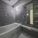 ブルー好きな夫婦の北欧テイストな家の写真 バスルーム