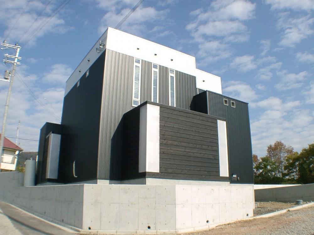 METAL BOX (外観)