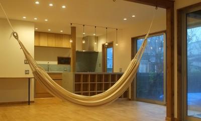 草屋根の家 (ダイニングキッチン)