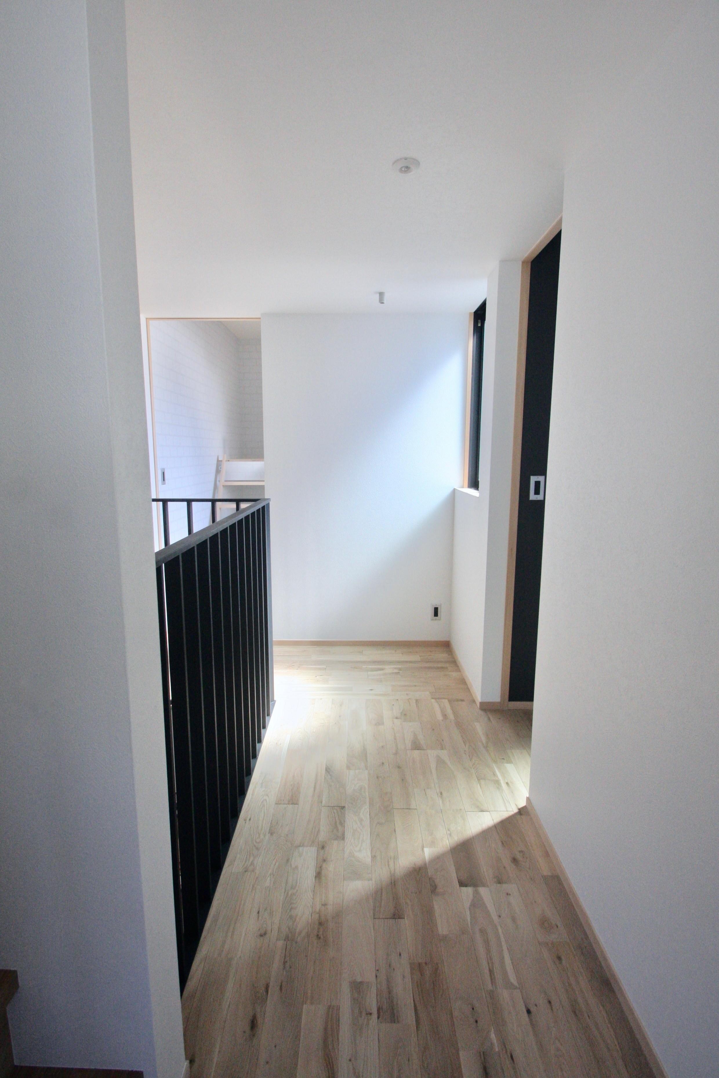 その他事例:2階廊下(三国の住宅:大阪のデザイン住宅 3階建て)