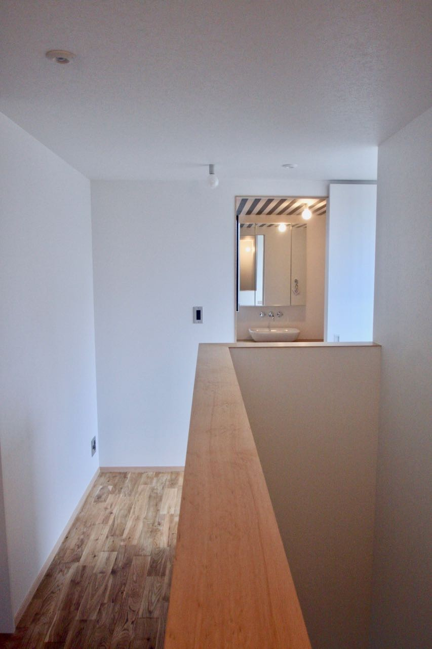 その他事例:3階廊下(三国の住宅:大阪のデザイン住宅 3階建て)