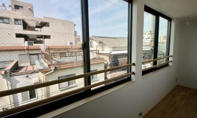 三国の住宅:大阪のデザイン住宅 3階建て (3階サンルーム)