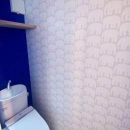 三国の住宅:大阪のデザイン住宅 3階建て (3階トイレ)