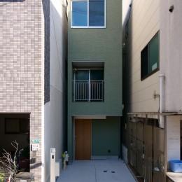 正面外観 (阿倍野の住宅:大阪の狭小住宅 3階建て)