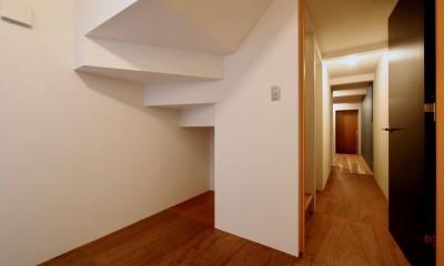 阿倍野の住宅:大阪の狭小住宅 3階建て (1階寝室)