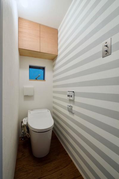 2階トイレ (阿倍野の住宅:大阪の狭小住宅 3階建て)