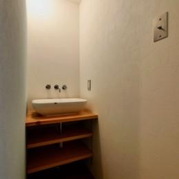 阿倍野の住宅:狭小間口の3階建て住宅 (2階洗面室)