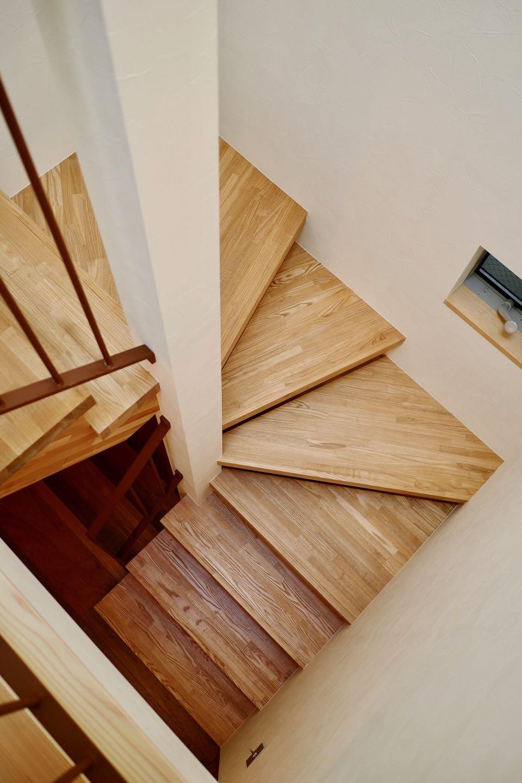 その他事例:階段(阿倍野の住宅:大阪の狭小住宅 3階建て)