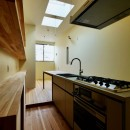 阿倍野の住宅:大阪の狭小住宅 3階建ての写真 3階キッチン